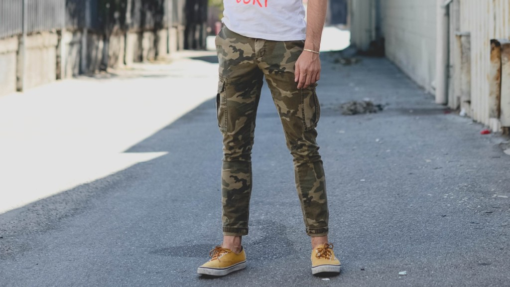 Cargo Pants for Men: 5 Great Outfits   Top 11 Style Mistakes
