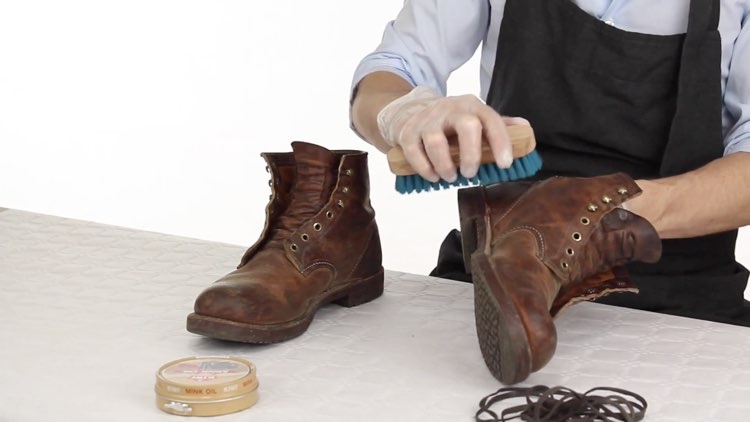 How to Polish shoes Conenent Images.002