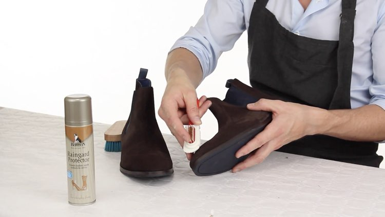 How to Polish shoes Conenent Images.017