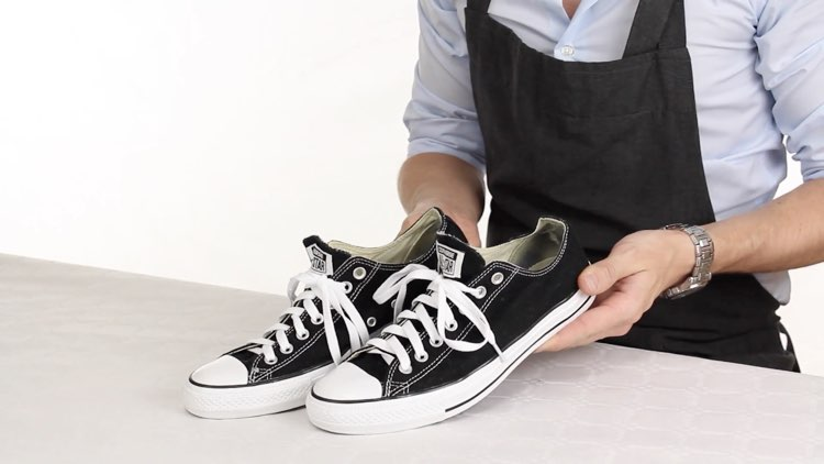 How to Polish shoes Conenent Images.020