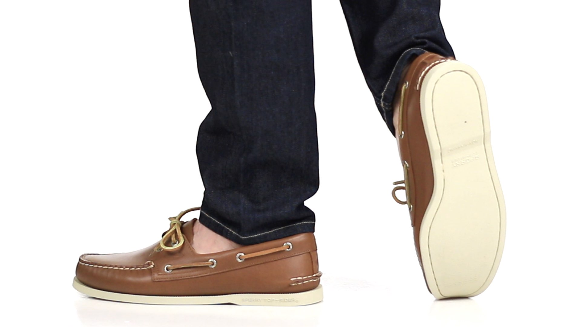 0c96ccacb46 13 Shoes to Wear with Jeans - The Ultimate Guide  2018 UPDATE